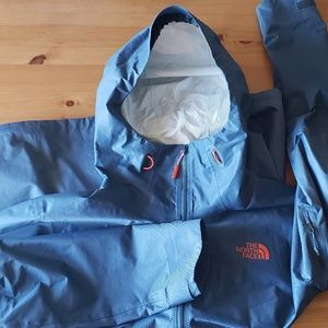 The North Face Light Weight Rain Jacket Shell Blue
